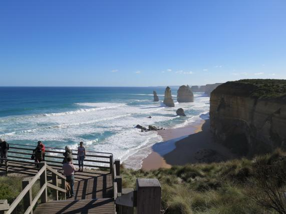 Twelve Apostles tourist sighting